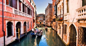 gondolas-canal-venice-italy_main